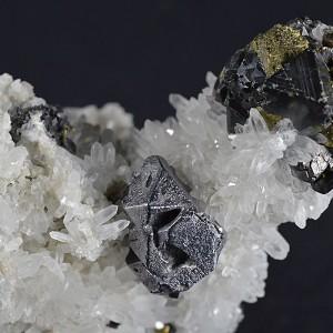 Truncated Galena, Sphalerite, iridescent Chalcopyrite, Quartz