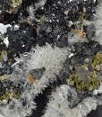 Sphalerite, iridescent Chalcopyrite, Quartz