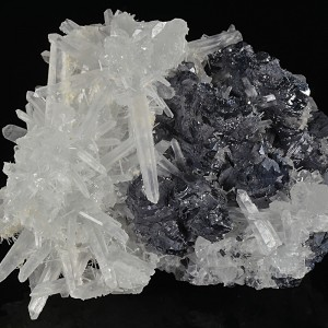 Quartz set on twinned Galena