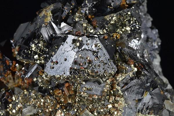Pyrite set on Sphalerite and Galena, Quartz