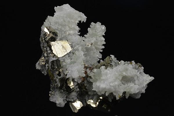 Pyrite, Quartz, Sphalerite, Chalcopyrite