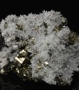 Japan law twin Quartz, Pyrite, Sphalerite