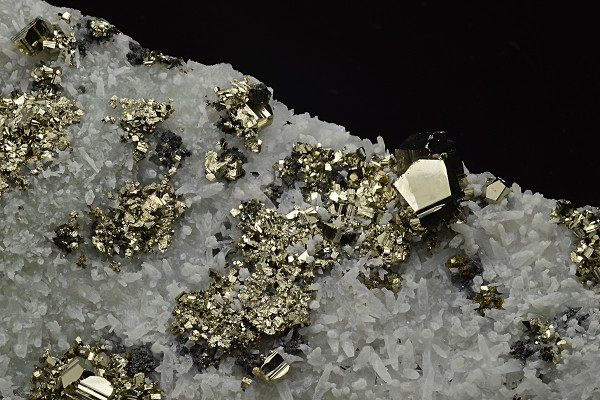 Pyrite on Quartz, Sphalerite, Chalcopyrite
