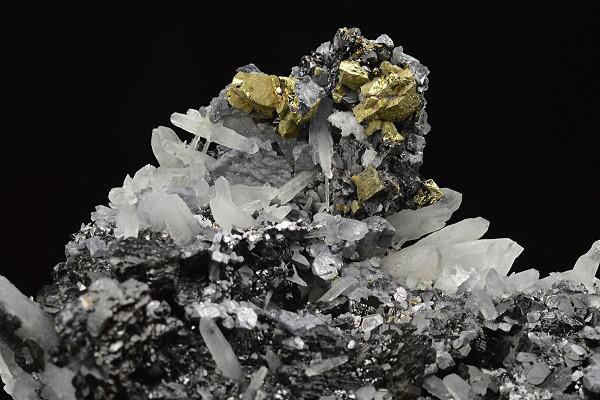 Thin Galena plates, Sphalerite, Quartz, Chalcopyrite