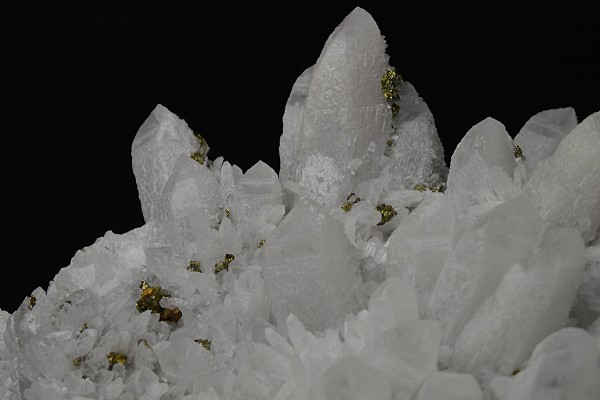 Quartz with growth phantoms, Chalcopyrite