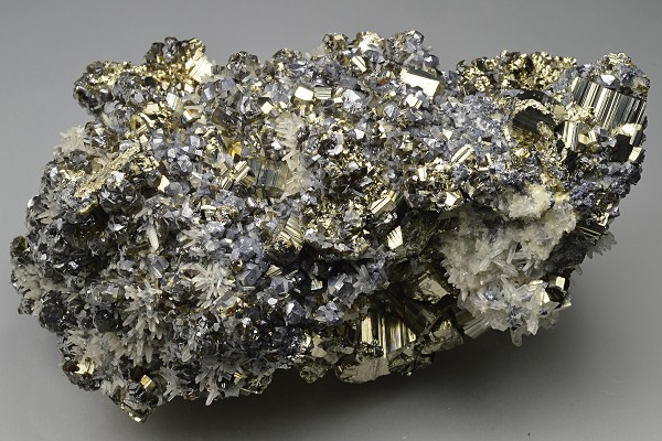Pyrite, truncated Galena, Cleiophane, Quartz