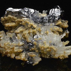 Calcite, Quartz on Spinel law twin Galena