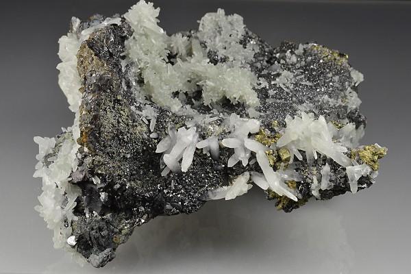Quartz on Sphalerite, Chalcopyrite, Pyrite, Galena