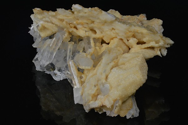 Pseudomorph after Calcite, Quartz