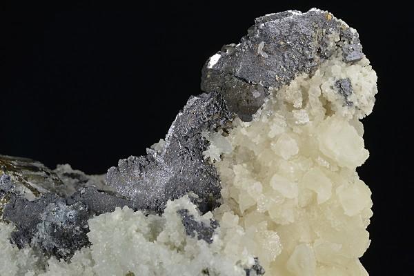 Calcite, thin Galena plates, Pyrite, Sphalerite
