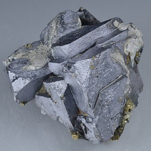 Twinned and truncated Galena, Chalcopyrite, Quartz