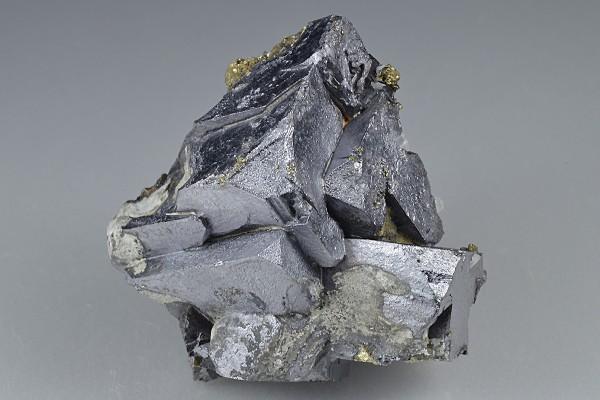 Twinned and truncated Galena, Chalcopyrite, Quartz
