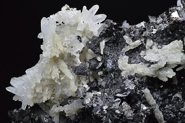 Sphalerite, Quartz, Calcite, Galena, Pyrite, Chalcopyrite