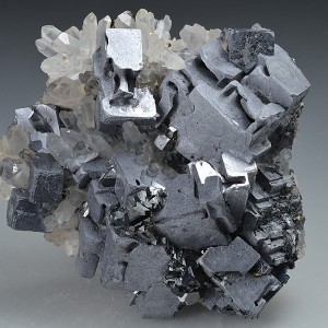 Skeletal Galena and Sphalerite on Quartz