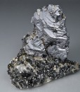 Spinel law twin Galena on Sphalerite and Quartz
