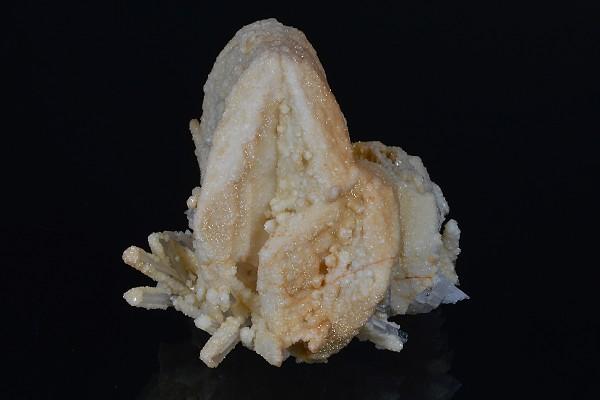 Pseudomorph after Calcite on Quartz