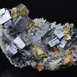 Skeletal Galena, Chalcopyrite, Quartz, Cleiophane