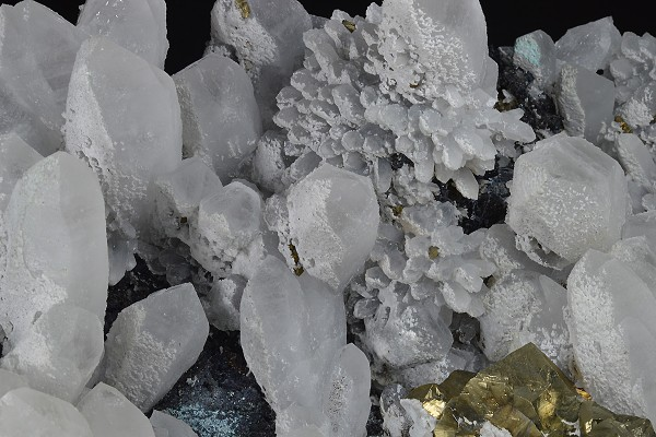 Two generations Quartz, iridescent Chalcopyrite