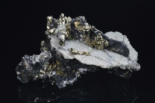 Pyrite, Sphalerite, Quartz, Chalcopyrite