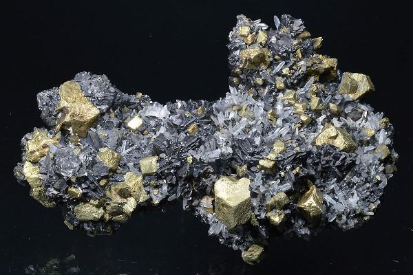 Chalcopyrite, Sphalerite tetrahedrons, Quartz
