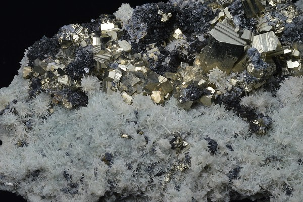 Pyrite on Quartz, Sphalerite
