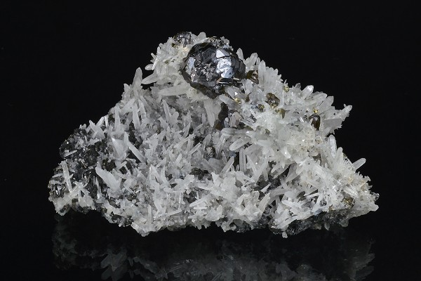 Cleiophane, Quartz, Chalcopyrite, Sphalerite