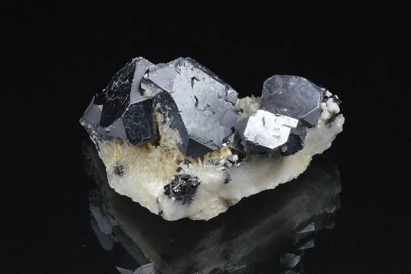 Twinned and truncated Galena on Quartz, Sphalerite