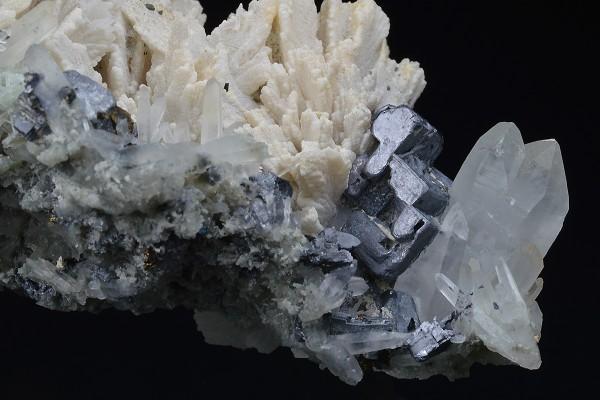 Skeletal Galena, Calcite, Chalcopyrite, Quartz