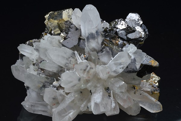 Quartz, Sphalerite, Pyrite, Galena, Chalcopyrite