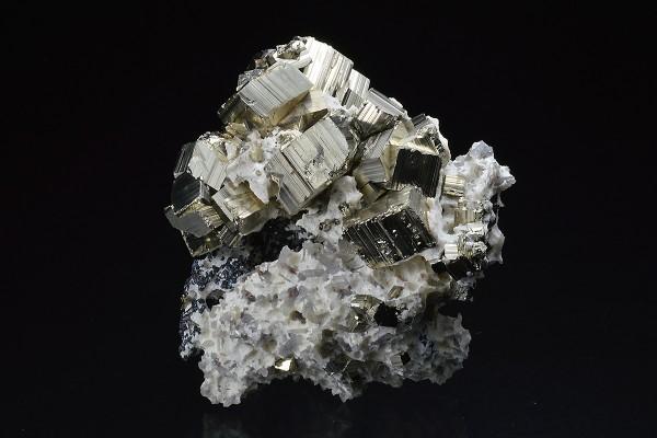 Pyrite, Calcite Quartz, Sphalerite