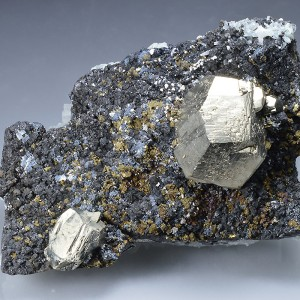 Pyrite on Sphalerite, Chalcopyrite, Quartz
