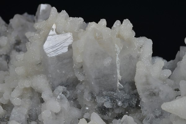 Quartz with growth phantoms, Calcite