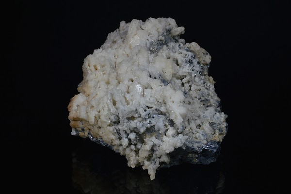 Calcite and Quartz on spinel law twin Galena