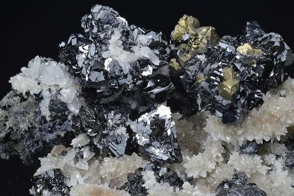 Sphalerite and Chalcopyrite on Quartz, Galena