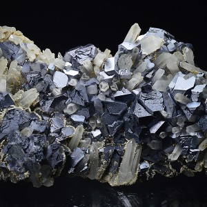 Twinned and truncated Galena, Quartz, Calcite