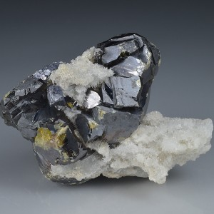 Cleiophane on Quartz, Galena