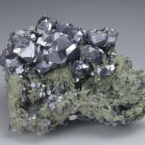 twinned and truncated Galena, Quartz, Chlorite