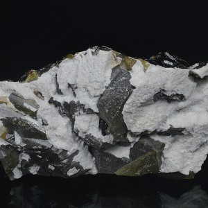 Calcite on Cleiophane