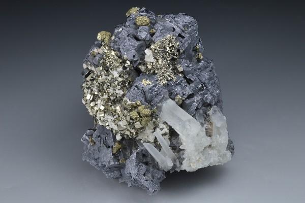 Galena, Chalcopyrite, Pyrite, Calcite, Quartz