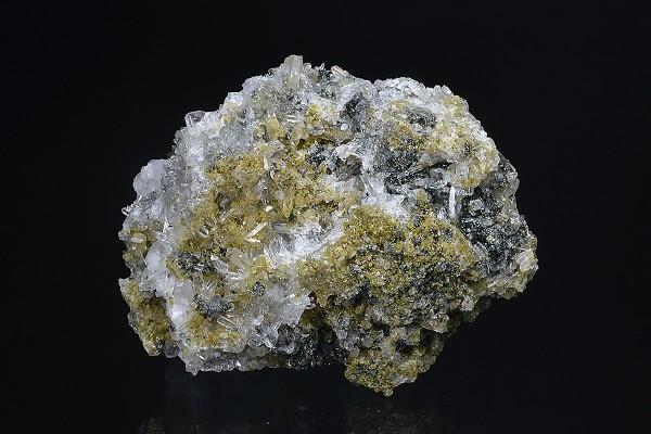 Quartz, Calcite, Sphalerite, Chlorite