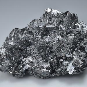 Sphalerite tetrahedrons, Quartz