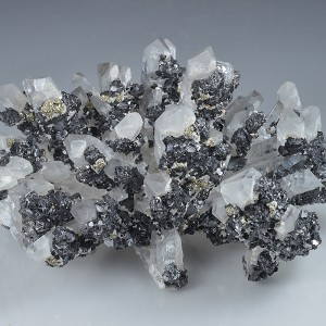 Quartz, Sphalerite, Pyrite, Calcite