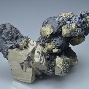 Pyrite, Chalcopyrite, skeletal Galena, Sphalerite - floater