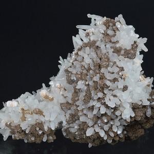 Siderite on Quartz, Calcite - floater