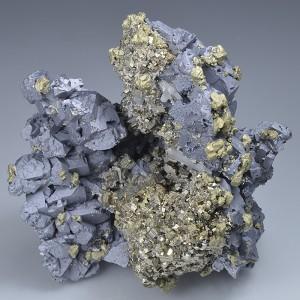 Spinel Law Twin Galena, Pyrite, Chalcopyrite, Quartz