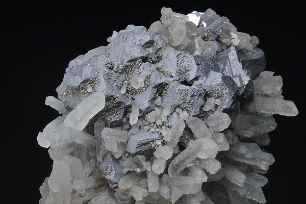 Bi-terminated Quartz on twinned Galena, Chalcopyrite