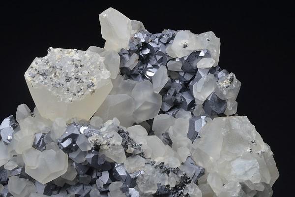 Galena, Calcite, Sphalerite - floater